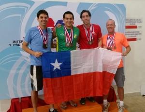 Natación Master chilena en torneo internacional en Paraguay